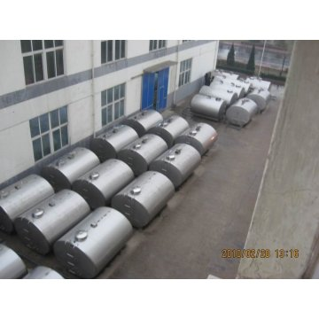 Dairy cow milk cooling tank