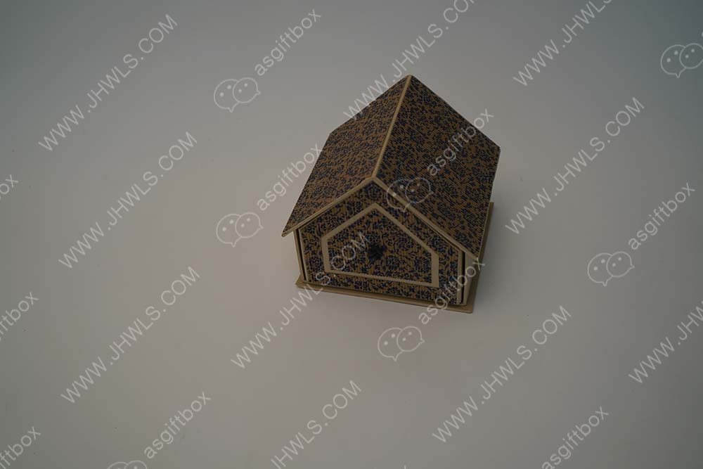 Specially customized jewelry boxes of various shapes