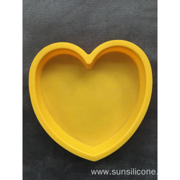 Heart-shaped creative silicone baking cake bread mold