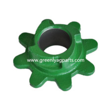 A36734 Chain gathering left hand sprocket for cornheader