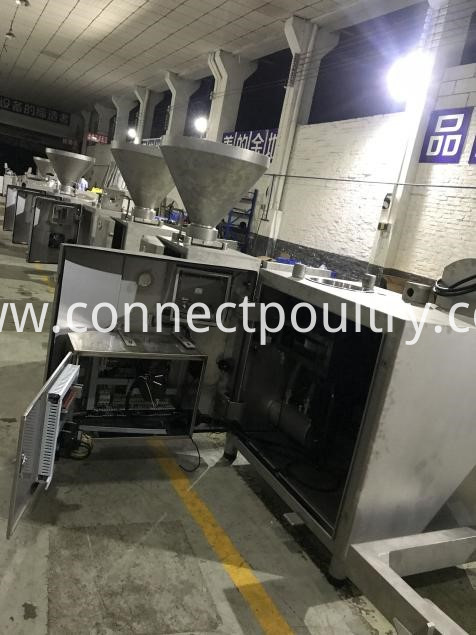 vacuum filler in production 2