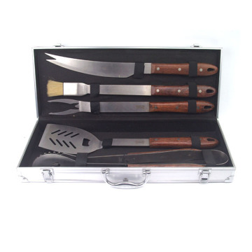 5pcs high quality BBQ set with wood handle