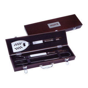 3pcs high quality BBQ set with wooden case