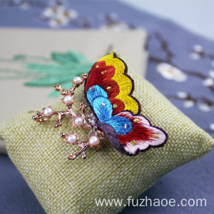 Professional High Quality for Embroidered Brooch Chinese hand-embroidered butterfly-shaped brooch gift supply to Sierra Leone Wholesale