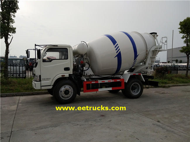 4.5T Concrete Mixer Transport Trucks