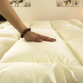 Microfiber Fabic Filled Massage Memory Foam Mattress Topper