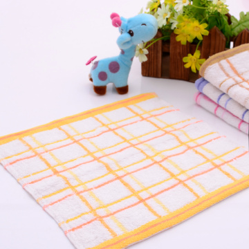 Cheap Towels Square Shaped with Checked Pattern