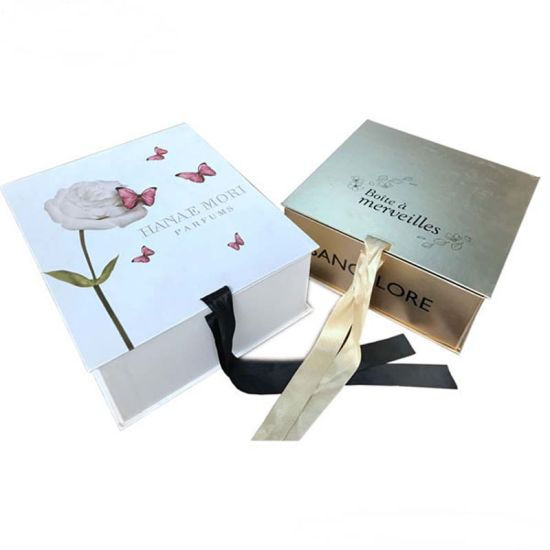 Luxury Clothing Pacakging Box With Ribbon Closure