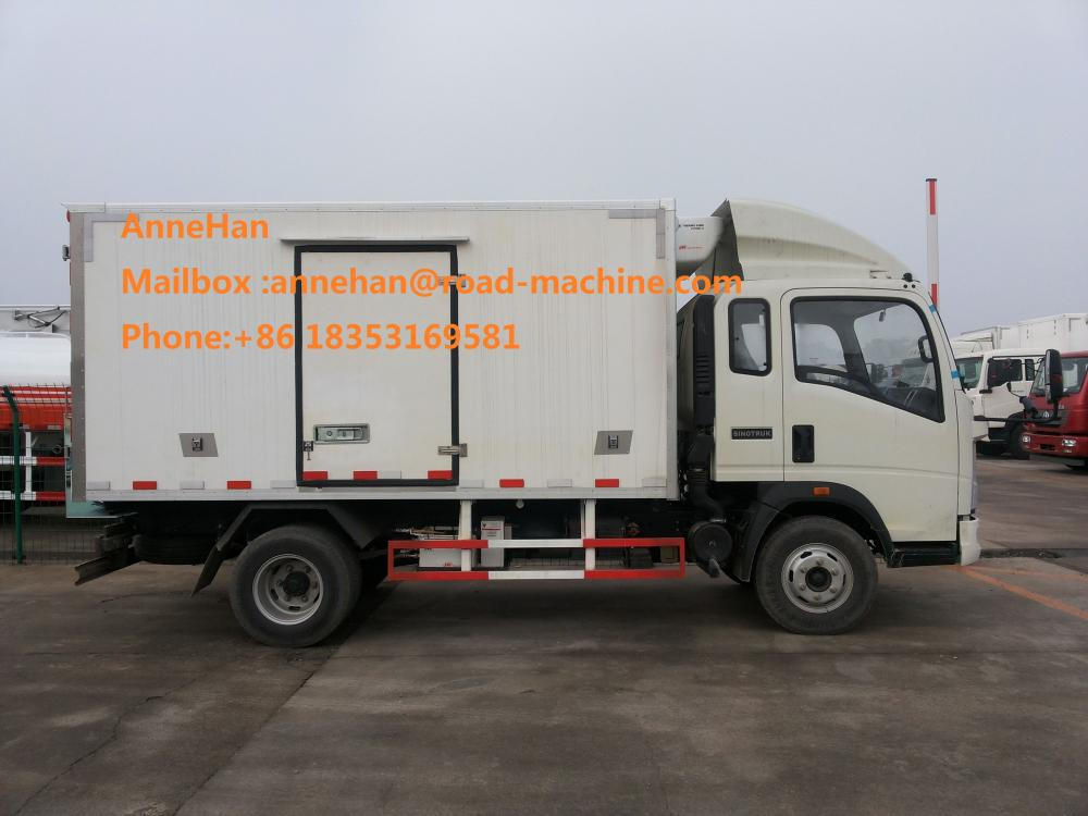 5 Ton Refrigerated Truck For Frozen Foods Transporting