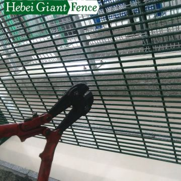 Hot Sales High Quality Power Coated Welded Fence