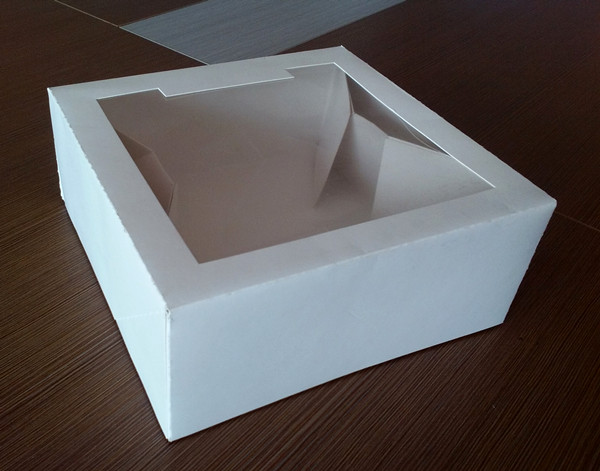 cake box with windows