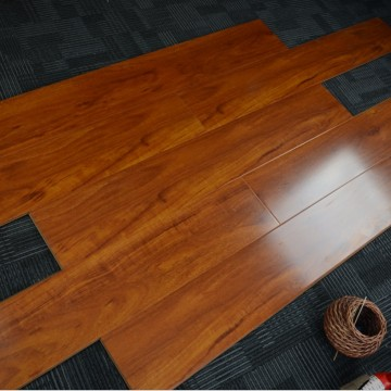Hign glossy   7mm Laminate Flooing