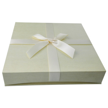 Matte Finish White Cardboard Necklace Paper Box