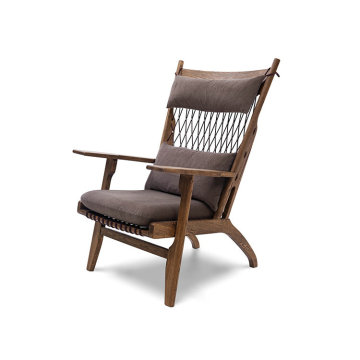 living room Wegner PP129 Web chaise lounge chair
