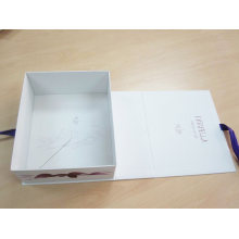 Folding Style Cardboard Cosmetic Packaging Box