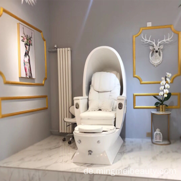 Luxus-Wellness-Salon für Pediküre mit Massage