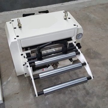 Fletë metalike NC Servo Auto Roll Feeds