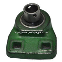 AB16787 Closing wheel bearing and casting for cotton planters