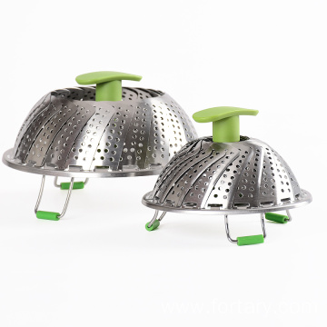 Extended handle adjustable food steamer