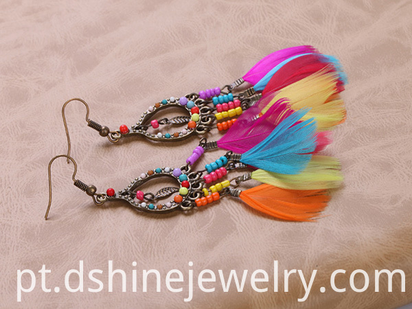 Tiny Beads Feather Girls Earrings