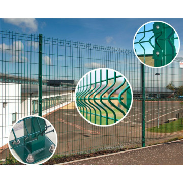 3d wire mesh curved fence with triangle bends