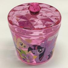 Plastic round storage box with diamond pattern