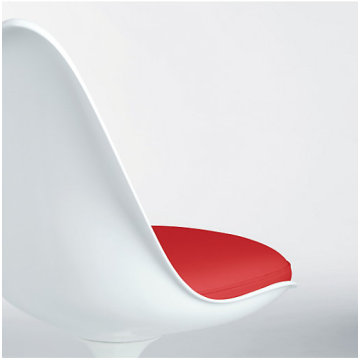 Replica fibreglass tulip chair by Eero Saarinen