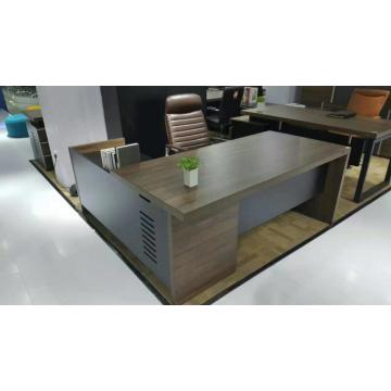 Corner office desk with sturdy material