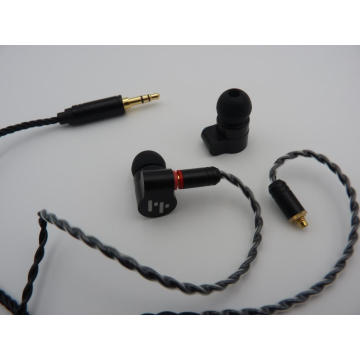 Hybrid Balanced Armature with Dynamic In-ear Earphone