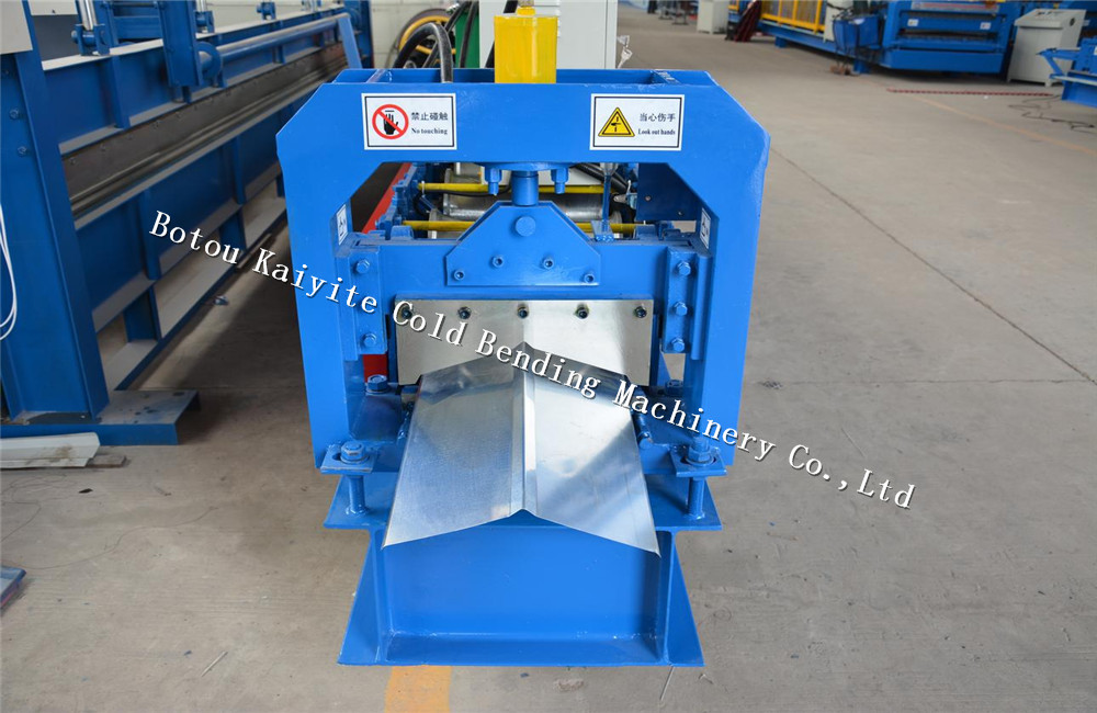 Tile ridge cap machine