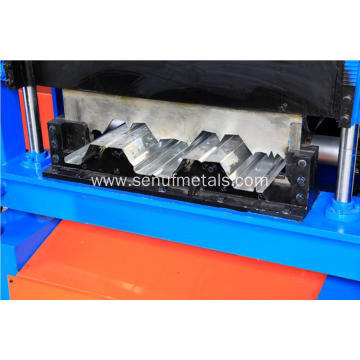 Steel plate floor tile decking sheet forming machine