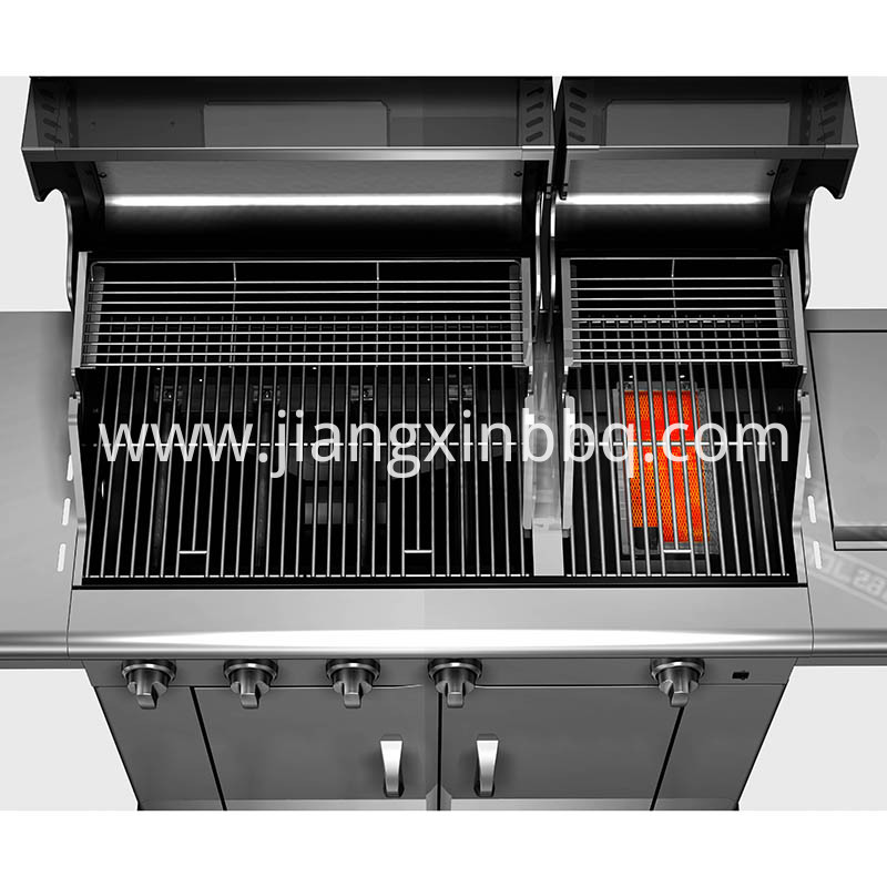Split Lid Stainless Steel Gas Grill Inside View