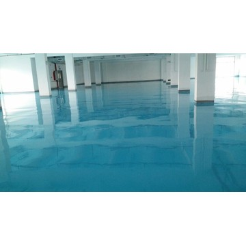 Aqueous solvent-free epoxy self-leveling varnish