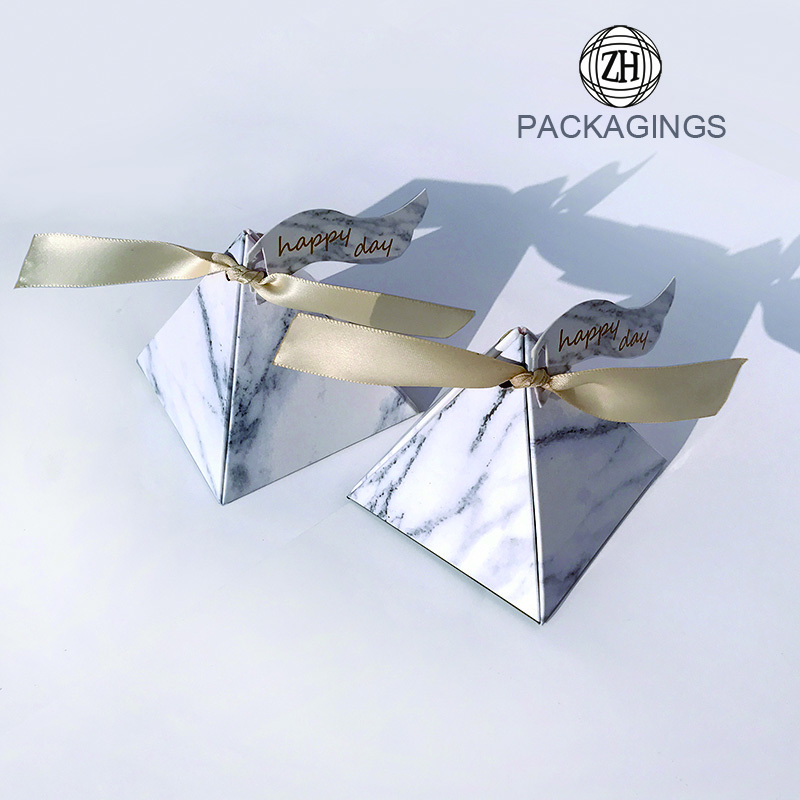 Pyramid paper bag folding European candy box