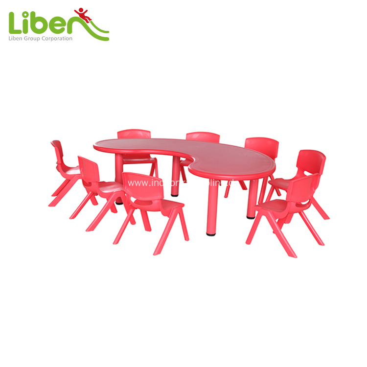School stundent chairs and tables