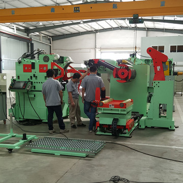Servo coil handle straightener feeder 3 in 1 machine
