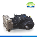 Reciprocating high pressure triplex plunger pump