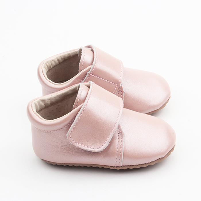 Pink baby casual shoes leather