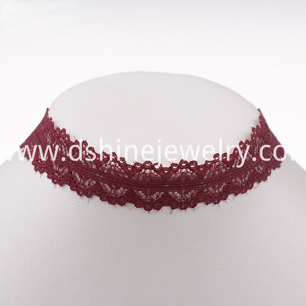 Short Lace Choker