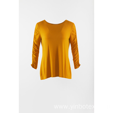 Yellow knitting long sleeve pullover