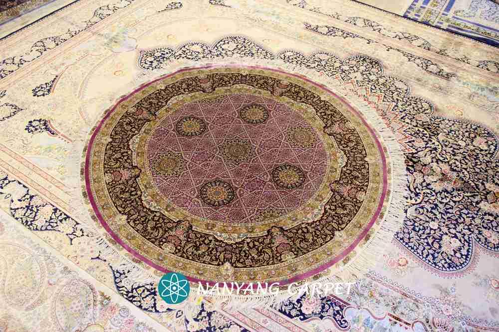 Purple round rug
