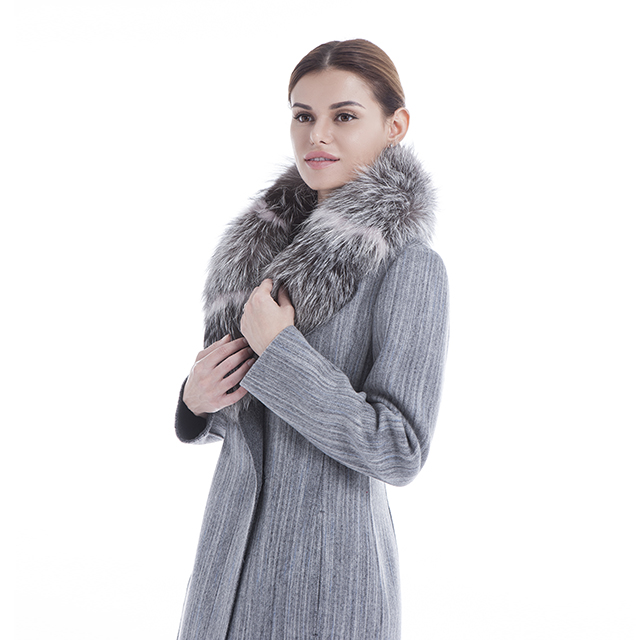 Trim cashmere coat with striped collar