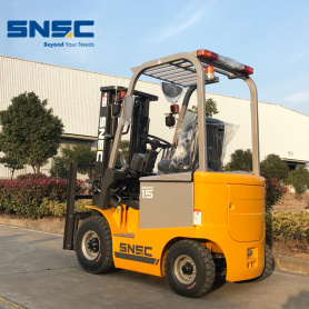 Quality 1.5 Tons Electri Fork Lifter