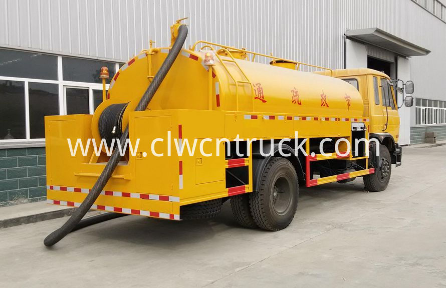 High Pressure Cleaning Truck 1