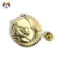 Top grade button gold round pin badges design