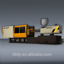 Semi-automatic thermoplastic injection molding machine