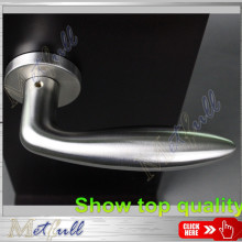 Value-priced Bulbous Hollow Lever Handle