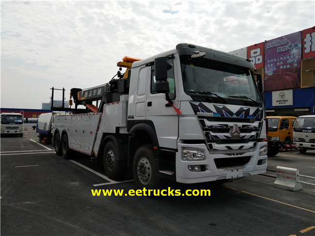 HOWO Heavy Duty Crane Trucks