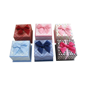 Decorative christmas gift boxes with lid