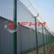 Galvanized Anti Cut 358 Fence Coated Green Color